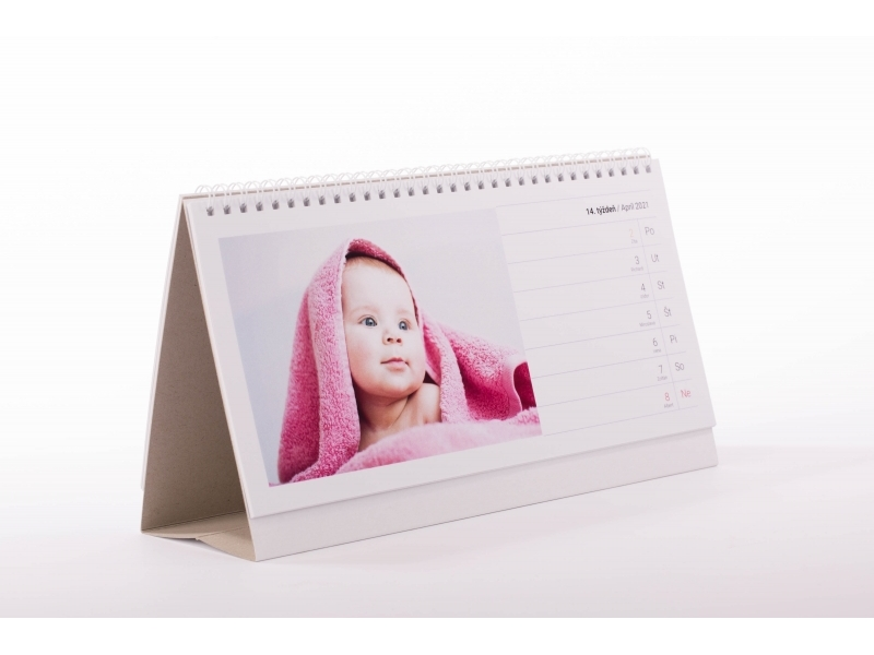 stolový kalendár s bábätkom