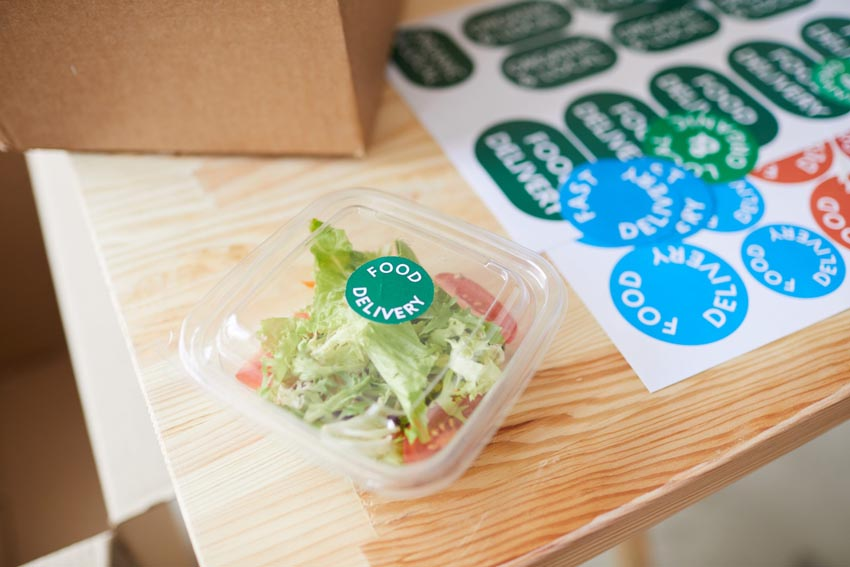 nálepky na krabičky s jedlom