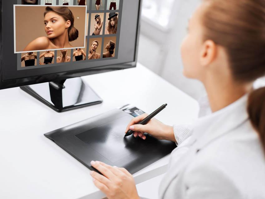 grafička retušuje portrét