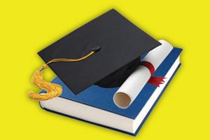 vysokoškolský diplom, práca a promočná čiapka