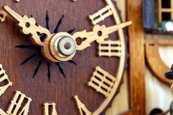 Historické drevené hodiny