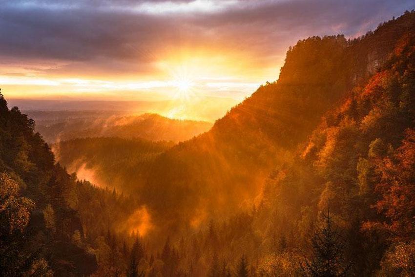 Západ slnka nad českým Hřenskom