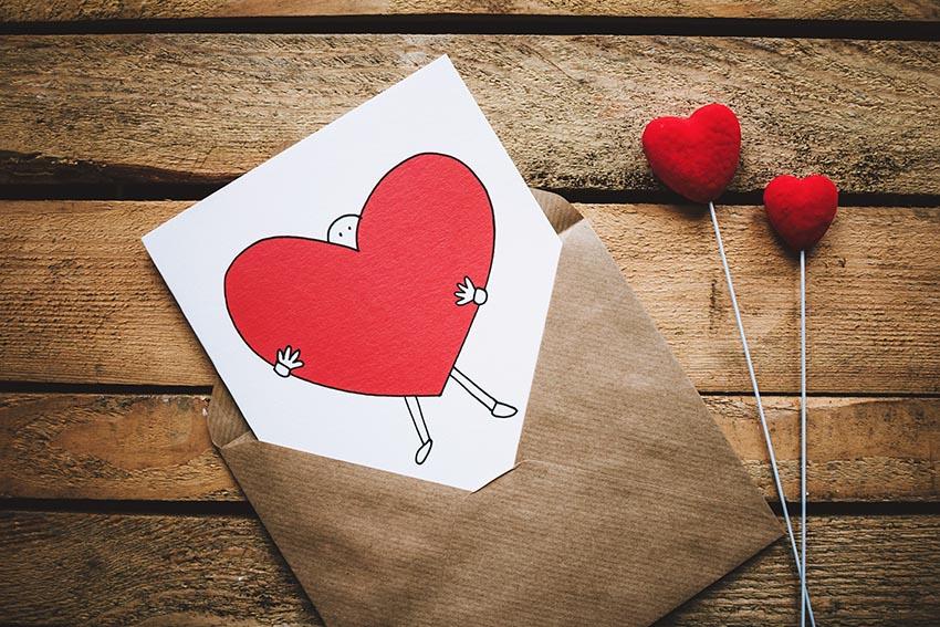 Valentínska pohľadnica so srdiečkami