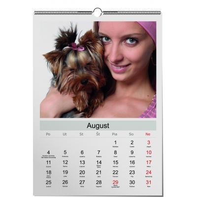 Nástenný kalendár s dievčaťom a psom, Darčekyodsrdca.sk