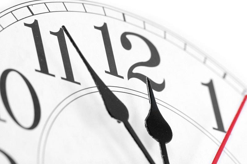 Výrez hodín s ručičkami